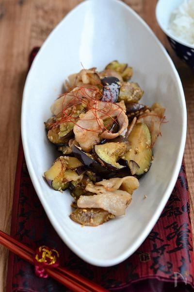豚バラ肉のうま味がなすに吸収され、お酢がきいたさっぱりピリ辛ダレが良くあい、ご飯おかわり〜。