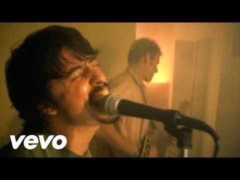 Foo Fighters' official music video for 'Everlong'. Click to listen to Foo Fighters on Spotify: http://smarturl.it/FooFSpotify?IQid=FooFEL As featured on Grea...