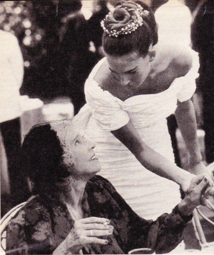 11.09.1988 : Mariage de la princesse Bianca de Savoie et du comte Giberto Arrivabene Gonzaga. Ici avec la reine Marie-José d'Italie