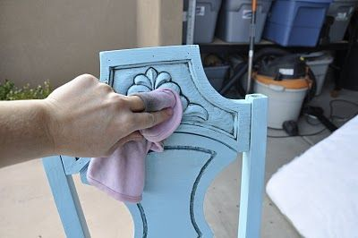 How to Glaze that dark color on light painted pieces (All Things Thrifty Home Accessories and Decor: Glazing Furniture 101)