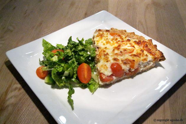 EGOSHE.dk - En madblog med South Beach opskrifter og andet godt...: Grovtærte med varmrøget laks og cherrytomater