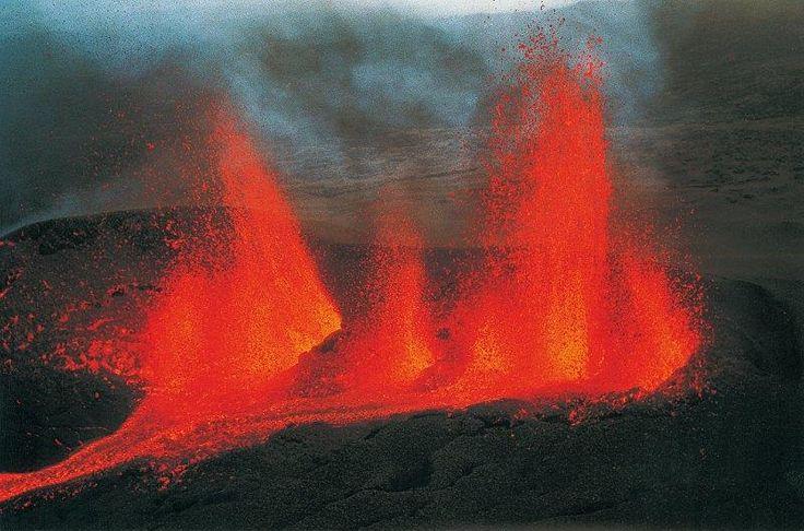 Piton de la Fournaise en éruption, La Réunion, Un bout de France en océan Indien. J'ai vu ça en vrai, c'est sublime...