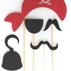 Lot de 5 accessoires photobooth anniversaire pirate -noir et rouge
