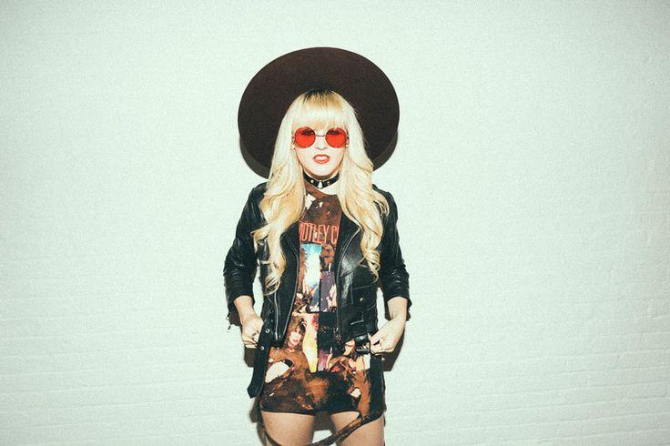 I Hate Blonde: Retro Hippie Metal Lennon Round Color Lens Sunglasses 8594