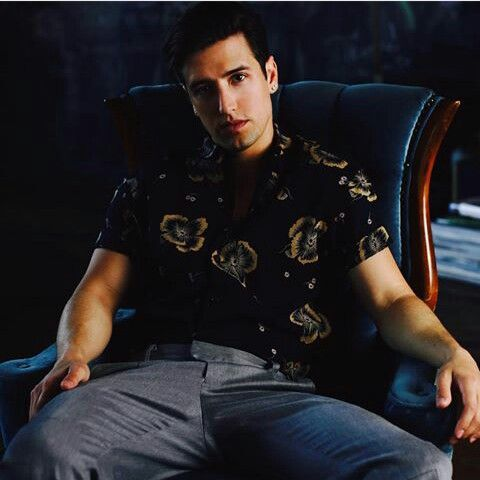 14.09.1989. Happy Birthday my love! On this day was born this king Logan,I love him so much,and I want to he have best birthday ever!Happy birthday Logan Phillip Henderson!