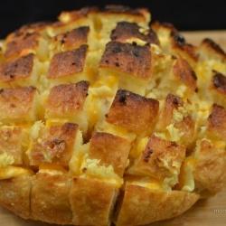 Cheesy bread pulls recipe