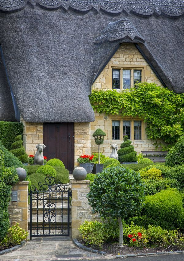 25 Best Ideas About Thatched Roof On Pinterest Country