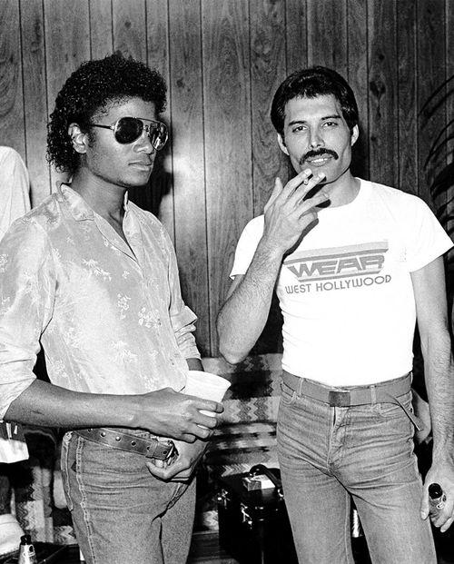 Freddie Mercury and Michael Jackson backstage at The Los Angeles Forum,1980.