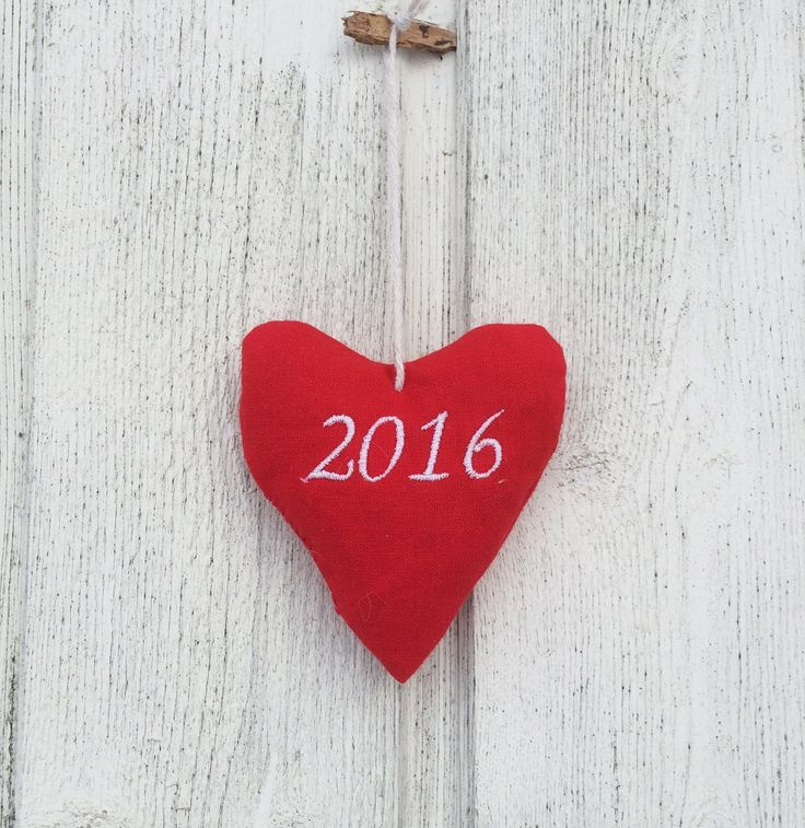 Christmas 2016 hanging heart decoration - Christmas 2016 heart - Christmas tree decoration - Christmas 2016 heart decoration - red heart by leonorafi on Etsy