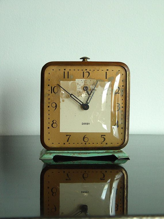 Vintage 1930s darby art deco era wind up alarm clock blue Art deco alarm clocks