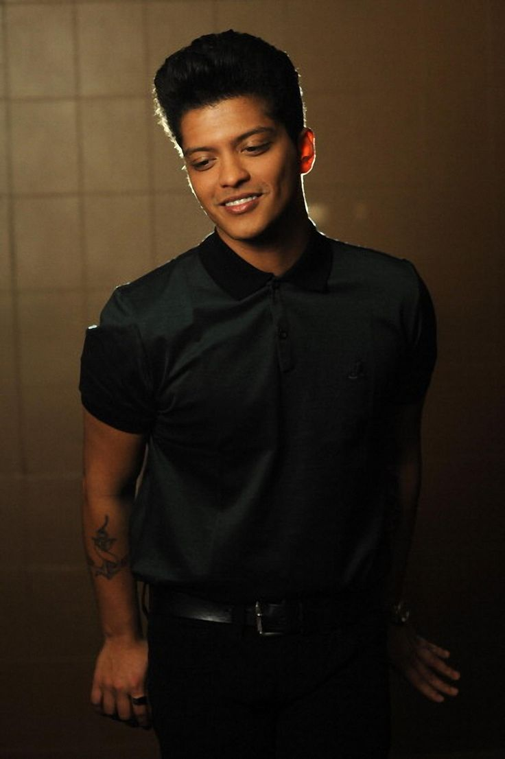 Bruno mars is so naturally beautiful