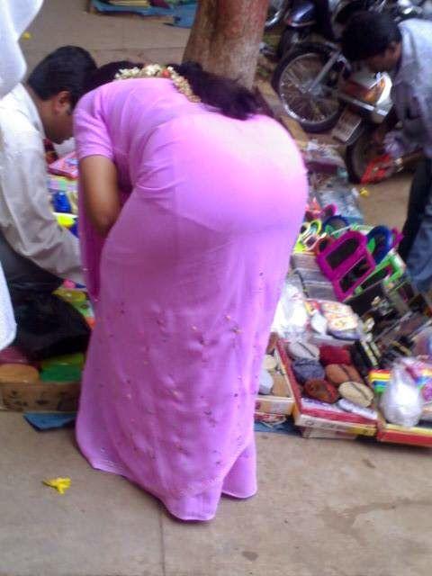 Beauty Tamil Nadu Aunties, Girls: Tamil Aunties Hot Back ...