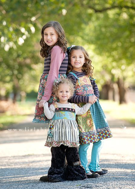Cute sisters pose!