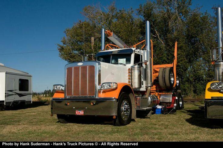 2000 Peterbilt 389 owned by Chuck bracelin trucking from