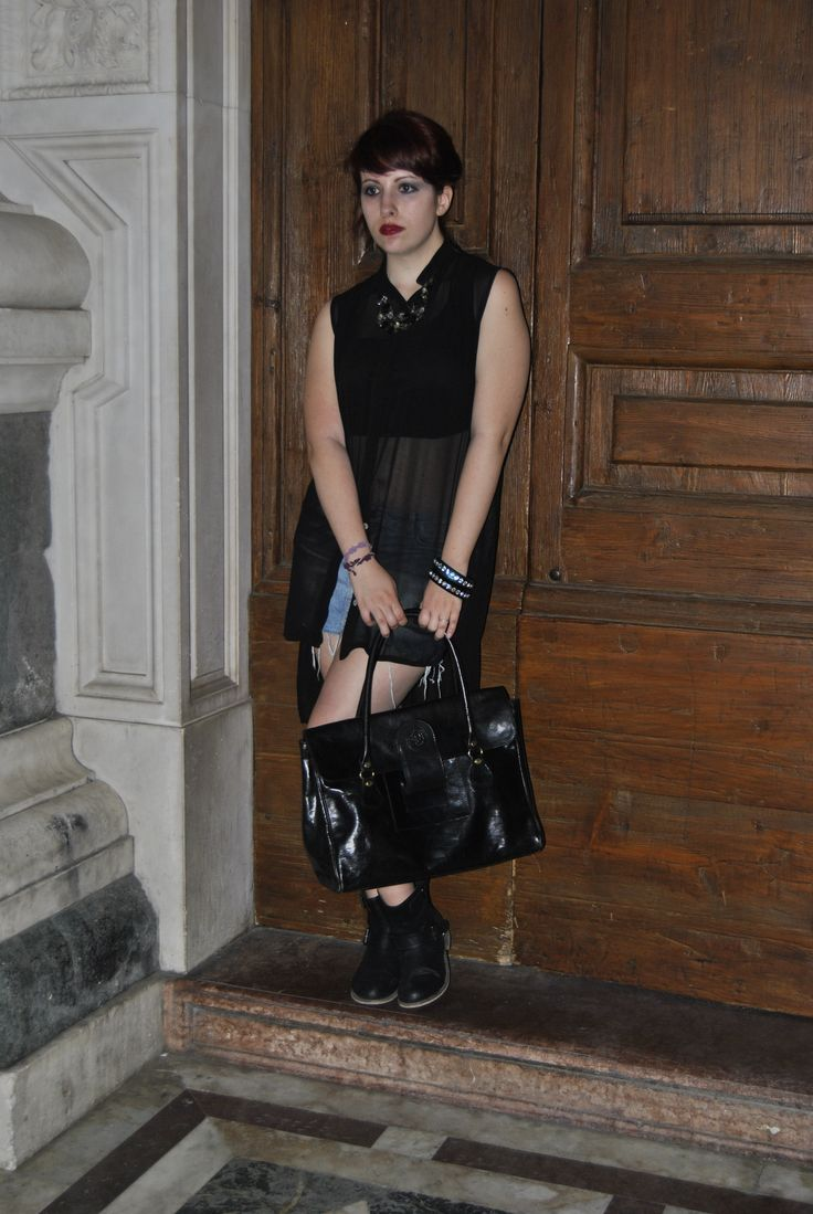 Grunge glam style for Luisa Via Roma party.