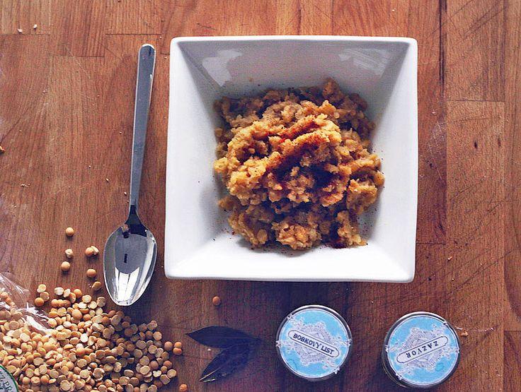 Jednoduchá kaše ze žlutého hrášku, inspirována etiopskou kuchyní. Ještě tak mít k tomu jejich chlebo   Veganotic
