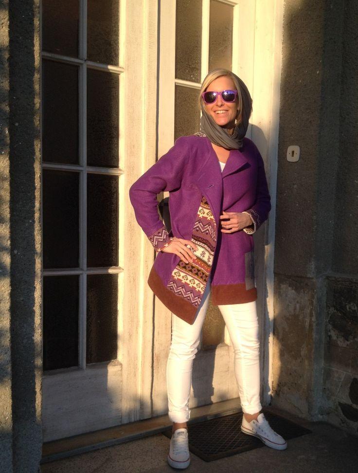 Purple+jacket+1+170301+Měkounký,+lehký+jarní+kabátek+pro+nadcházející+sezonu+by+měla+mít+každá+žena+ve+svém+šatníku,+která+nechce+splynout+s+davem,+která+má+ráda+zvláštní+a+vyjímečné+věci.+Kabátek+má+rovný+střih,+dvě+boční+kapsy.+Manžety+jsou+stejně+jako+část+légy+na+předním+díle+z+krásného+úpletu+s+norským+vzorem.+Švy+jsou+několikanásobně+prošity...
