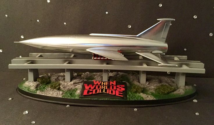 Pegasus Models pre-built and painted Space Ark from 1953's When Worlds Collide.