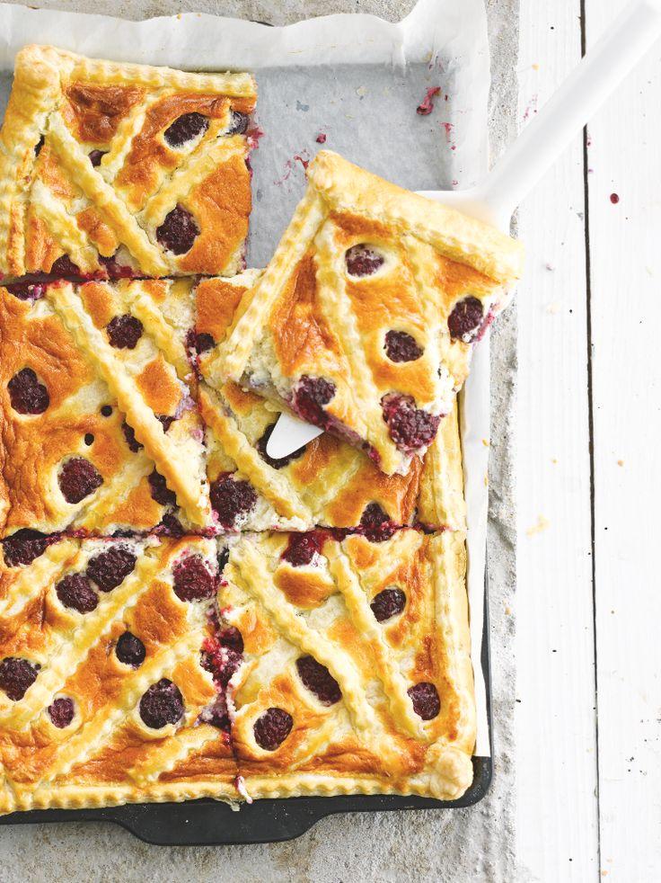 Mascarponetaart met bramen en bosbessen http://www.njam.tv/recepten/mascarponetaart-met-bramen-bosbessen