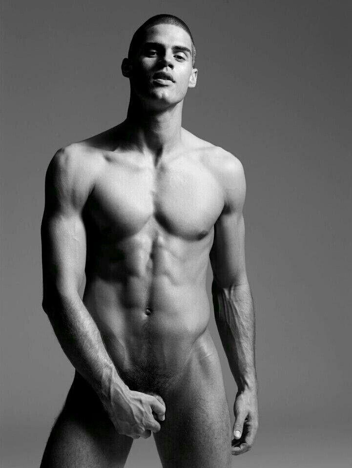 красивые мужчины голые очень любит сосать