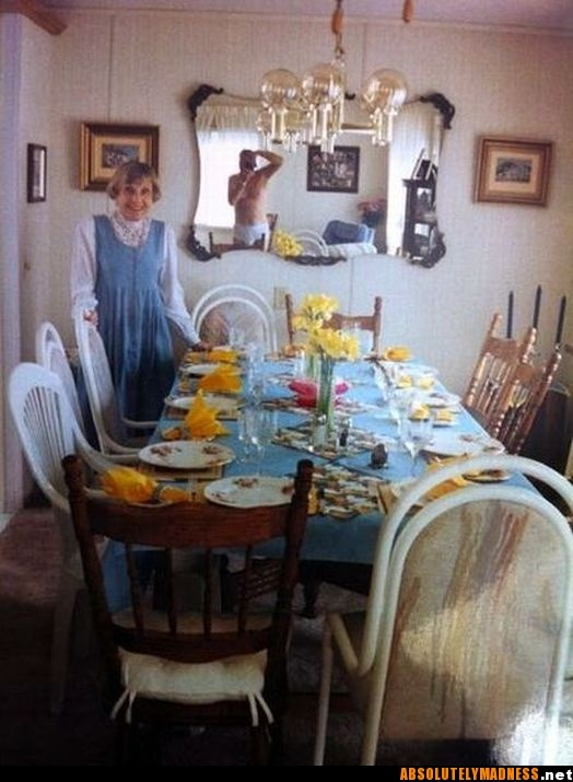 lol: Tables Sets, Mirror Mirror, Funny Pictures, Hall Of Fame, Families Photo, Mirrormirror, Funny Stuff, Ellen Show, Ellen Degenerative
