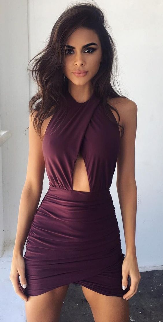 Robe bordeau courte #fall #outfits · Purple Bandage Dress
