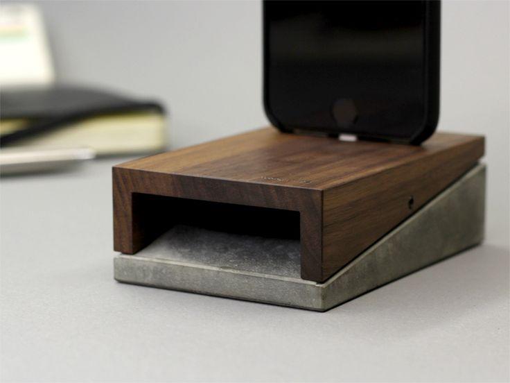 mobi | iPhone 6 & iPhone 6 Plus docking station | Wood + Concrete | 69,90€