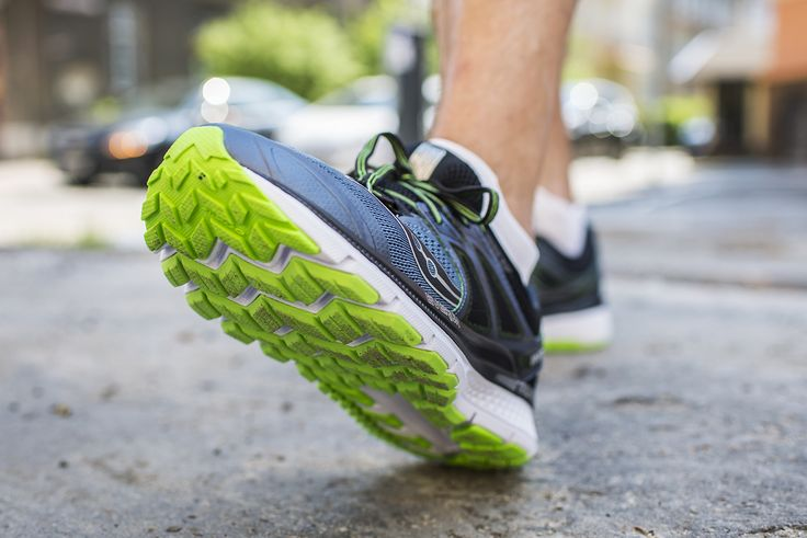 Saucony Triumph ISO 3 to but treningowy zapewniający amortyzację na najwyższym poziomie. Zdecydowanie nadaje się do długich wybiegań podczas których liczymy na dobrze amortyzowane i wciąż dynamiczne obuwie.