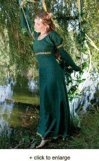 MeridaMedieval Clothing, Princesses Dresses, Bridesmaid Dresses, Princess Dresses, Dresses Tunics, Forests Princesses, Renaissance Princesses Gowns, Medieval Dresses, Green Dresses