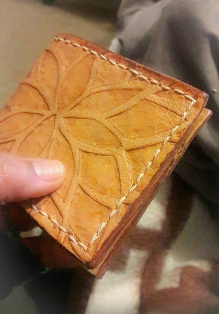 1 billetera cuero, modelo pincoya