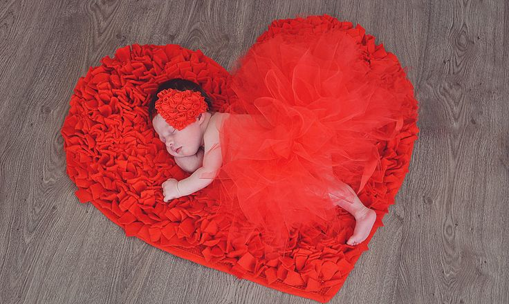 The best time for a newborn session is between 5-10 days old.