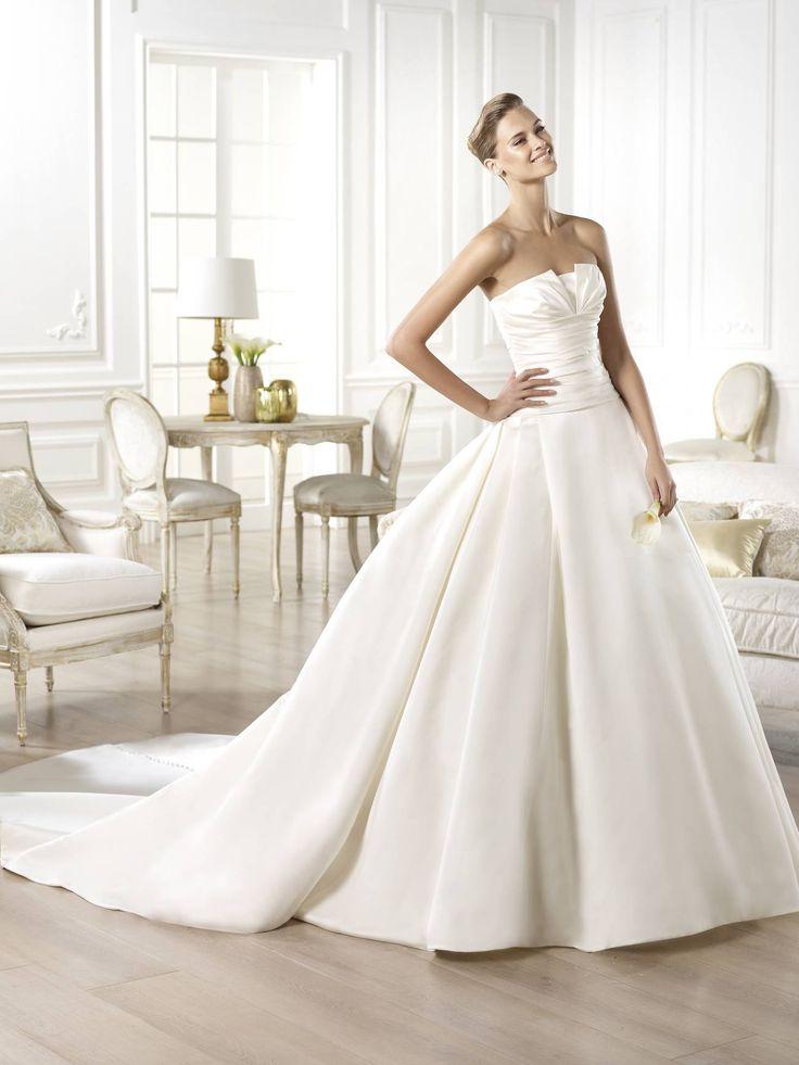 Georgia esküvői ruha - La Mariée esküvői ruhaszalon - Pronovias 2015