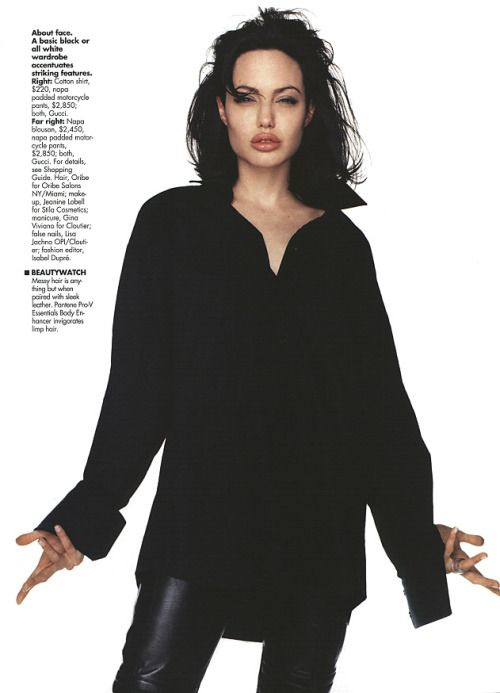 #angelinajolie✨ #tbt  And if you Comment, Like, Re-Pin. Thank's! Repined by http://www.hollywoodobsessed.com/tag/angelina-jolie/