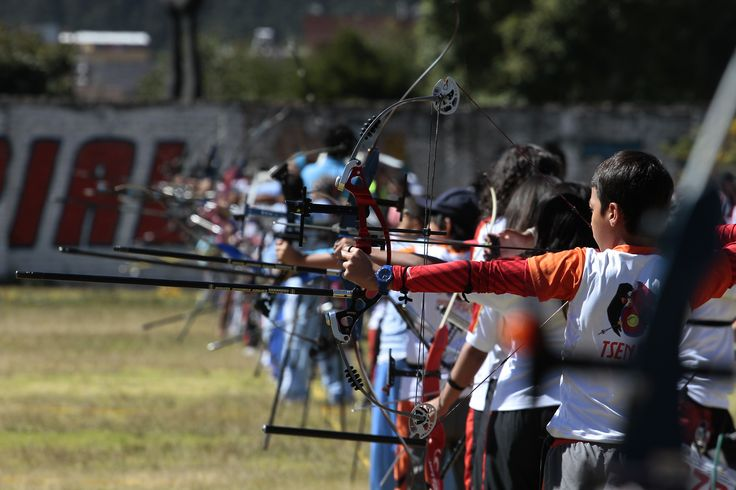 Participantes del torneo nacional de Tiro con Arco que se realizó en Quito.