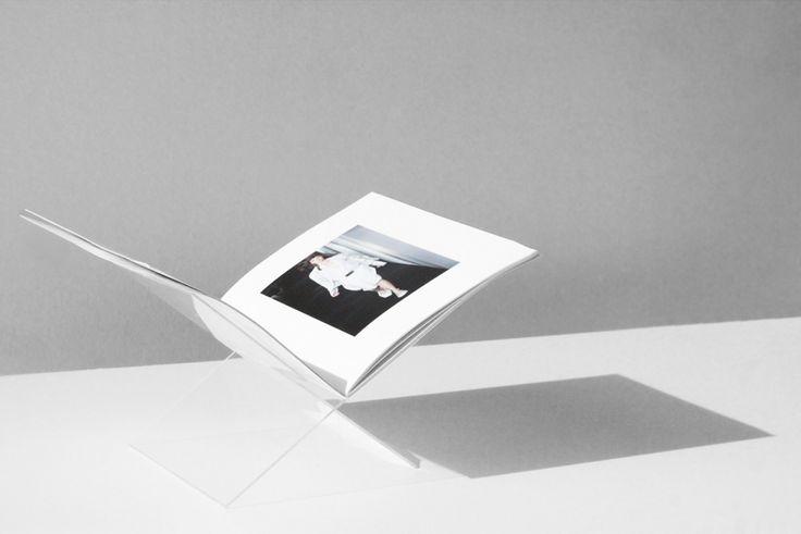 DIY CLEAR BOOK DISPLAY @kanstudio