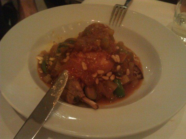 Bütün yemekler muhteşemdi...  http://www.geziyorum.net/zucca/