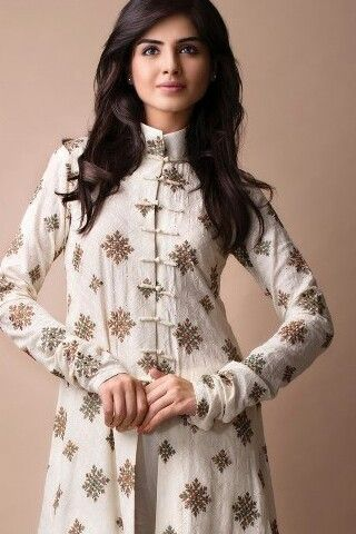 Bareeze...High collar churidaar sleeves :)