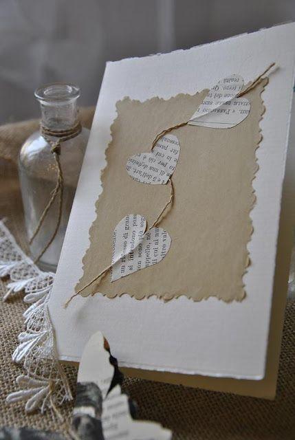 Manualidades de San Valentín con papel de periódico y libros viejos | Manualidades
