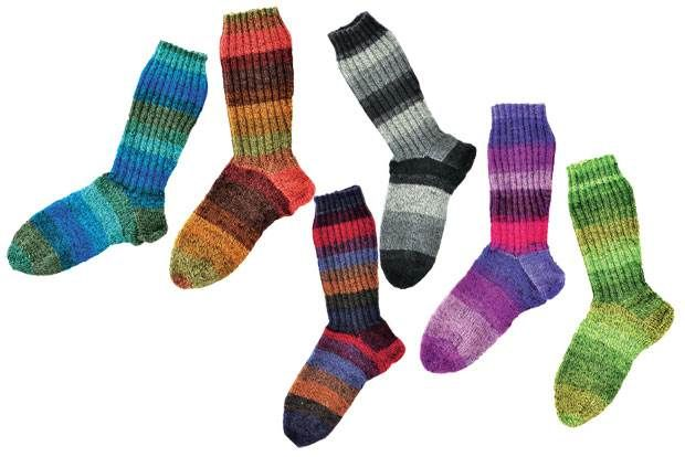 Her får du opskriften på, hvordan du strikker de skønneste langskaftede strømper, som med garanti vil holde dine fødder varme på de kolde dage.