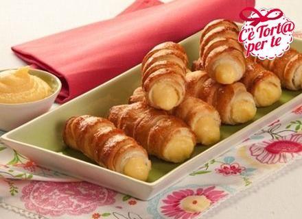 Un #dessert senza tempo, un pasticcino classico e sempre di gran gusto: cannoncini alla crema pasticcera!  Clicca e scopri la ricetta...