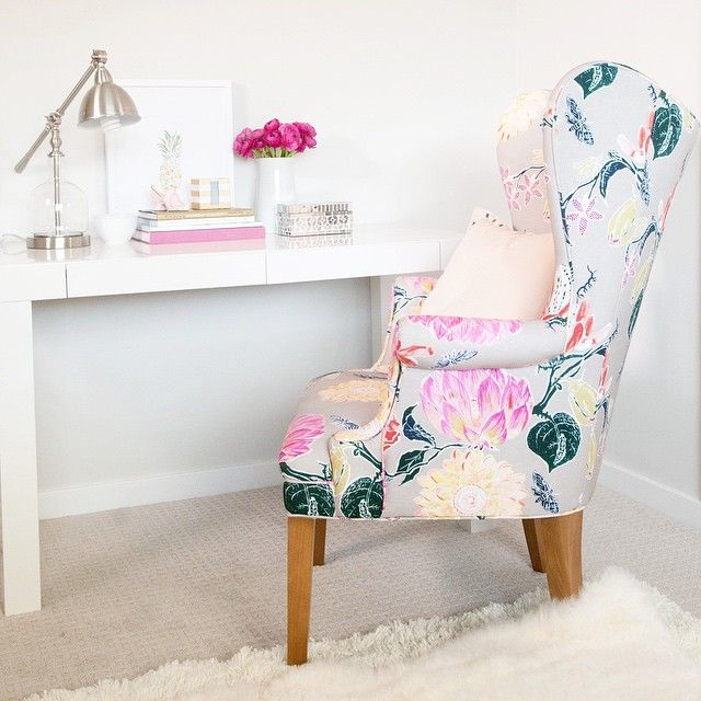 who says you have to give up your faves from the days as a single girl? I adore this chair and completed the look with gifts from @HomeGoods, including this sleek chrome lamp.✏️ My office space is complete!#makehomeyours