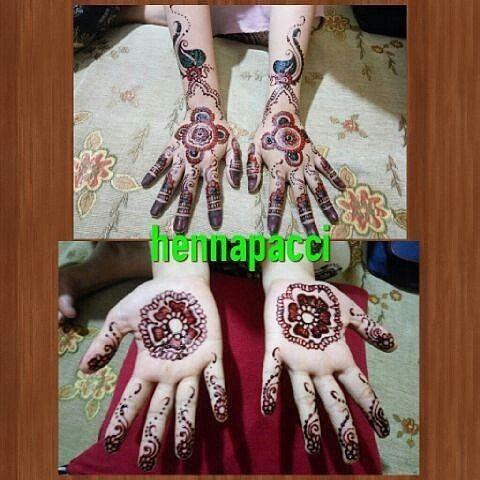 @Regrann from @citrawahyuniyusran -  Maacih henna wedding nya  suka bangett henna nya  #Regrann  Makasih testimoninya sayang... Barakallah semoga sakinah mawaddah wa rahmah ya....  By: hennapacci Line: hennapacci wa: 082317582211  #henna #hennapacci #mappacci #bugismakassar #hennaart #malampacar #mahendi #lukishenna #lukistangan #hennatattoos #jasalukishennamakassar #hennawedding #makassardagang #hennaartistmakassar #hennaartist #iphonesia #instapic #testimonial #hands #handpaint #adat…