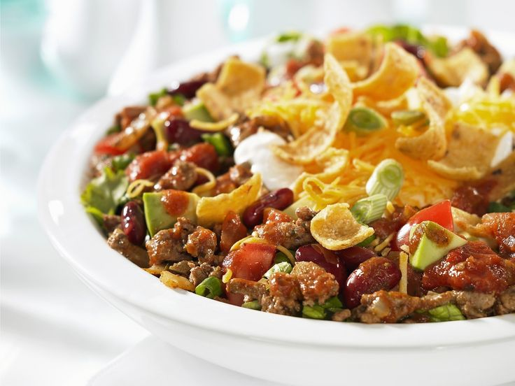 Rindfleischsalat mit Nachos - smarter - Zeit: 25 Min. | eatsmarter.de
