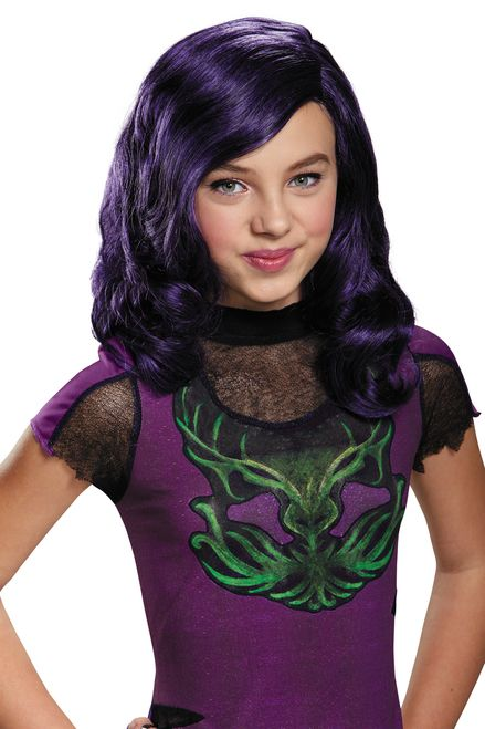 Mal is Maleficent's daughter in Disney's Decendants Isle of the Lost. Rock Mal's cool purple locks and complete her look with this children's wig. Ships from Canadian warehouse.