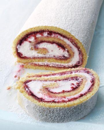 Hazelnut-Raspberry Jelly Roll