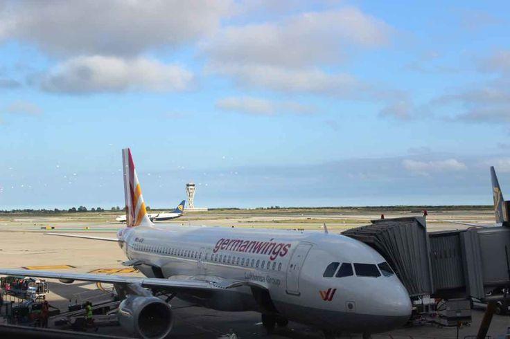 """germanwings_aviao =Blind Booking (Reserva às cegas, numa tradução bem mais ou menos) é uma """"promoção"""" da Eurowings (antiga Germanwings), uma das companhias aéreas low-cost (de baixo custo) mais famosas da Europa. Com essa opção, você pode comprar uma passagem sem saber o destino. Quando você recebe a confirmação da reserva, você fica sabendo qual lugar vai conhecer"""