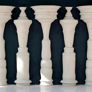 WHAT DO YOU SEE?  This is SO COOL!!!!  Do you see 5 Vases or 4 people?