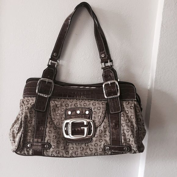 Guess Handbag •Guess handbag •Excellent condition Guess Bags