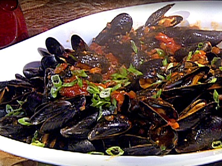Mussels in Spicy Red Sauce recipe from Emeril Live via Food Network