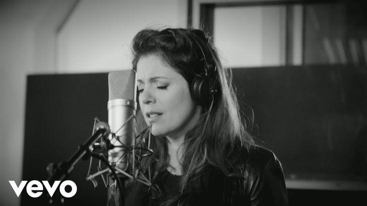 Isabelle Boulay - Le train d'après (interview en studio)